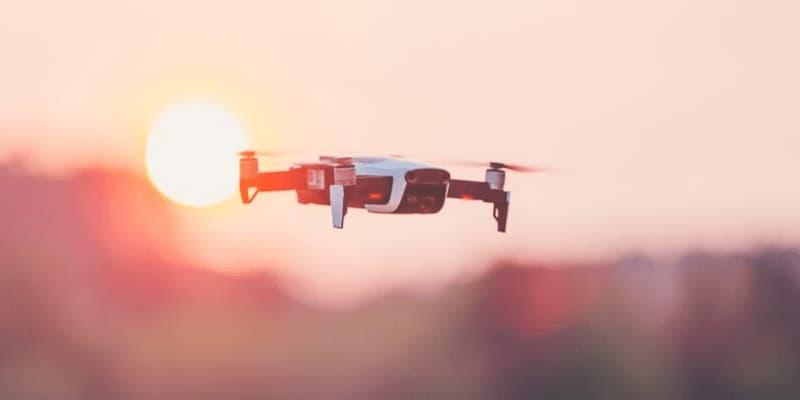 dron por menos de 1000 dólares
